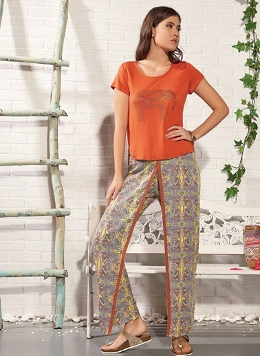 Gizzey Taş Baskılı  Pijama Takım Renkli